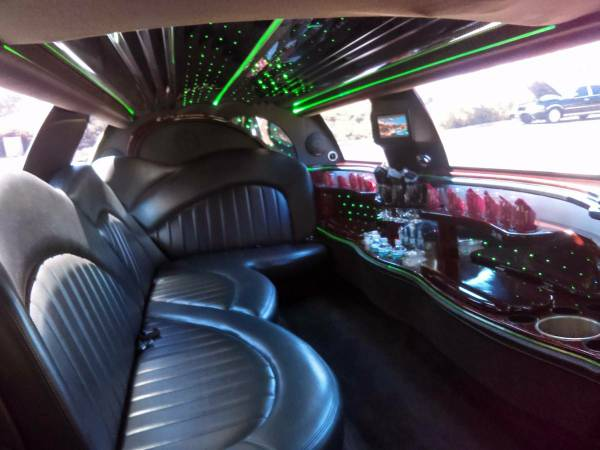 LIMO FOR HIRE LOW RATES BEST SERVICE